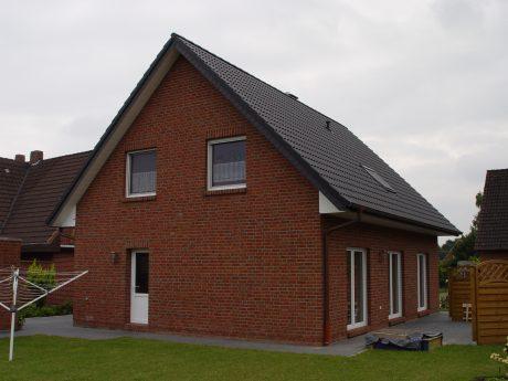 Sattendachhaus_S147_Ansicht-hinten